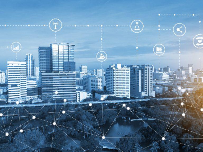 vue de la ville montrant la technologie sans fil