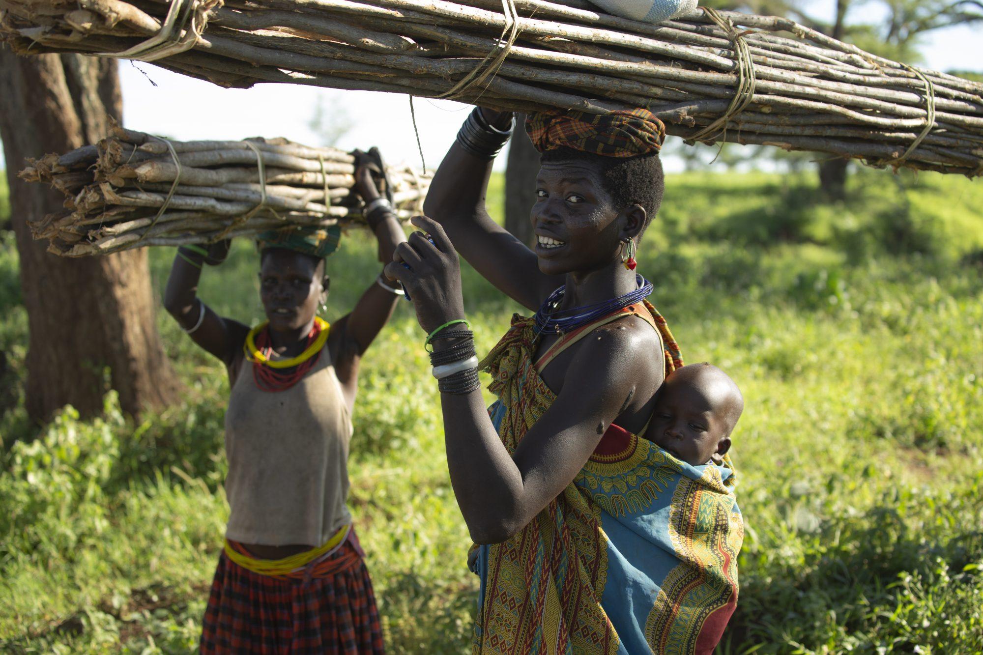 Des agricultrices travaillent dans les champs de Napak en Ouganda.